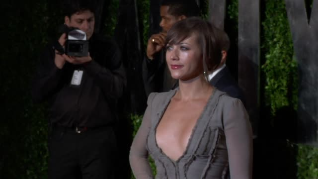 Rashida Jones at the 2010 Vanity Fair Oscar Party Hosted By Graydon Carter at West Hollywood CA