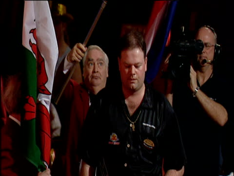 Raymond van Barneveld walks to oche and shakes hands with officials 2003 Embassy World Darts Championships Lakeside Frimley Green