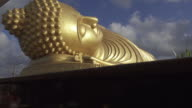 4K DOLLY : Reclining buddha statue