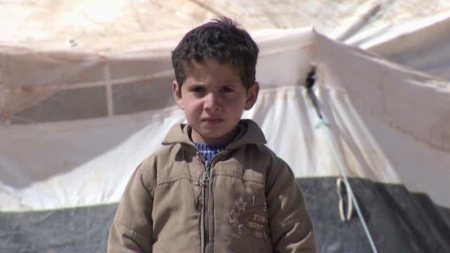 Reclutados militarmente por ambos bandos victimas de ataques en riesgo de malnutricion Dos millones de ninos ninas y adolescentes han sido afectados...