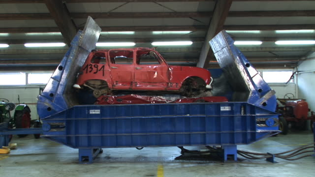 HD: Recycling cars