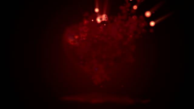 Rood hart deeltje 4K animatie voor Valentijnsdag