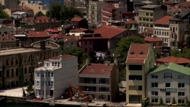 Red roofs top the buildings in Istanbul.