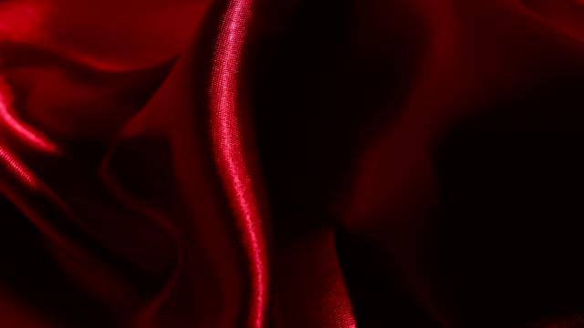 Rote Seide