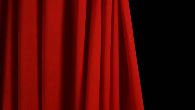 Red Bühne Vorhang geöffnet und geschlossen
