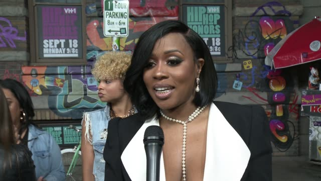 INTERVIEW Remy Ma on how she would describe her performance on what we can expect from her performance tonight on what her memories are of the 90's...