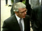 Report INT CMS John Major seated at dining table addressing diners EXT CMS John Major intvwd SOT Things like the social chapter and the minimum wage...