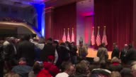 US Republicans scrambling to win the first contest in the presidential nomination race were gearing for battle at a high profile debate in Iowa but...