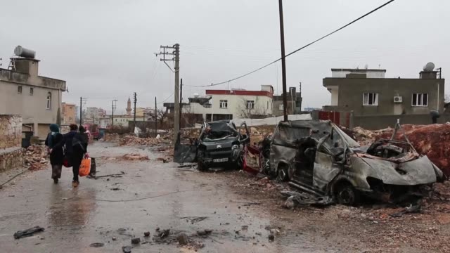Residents of a mainly Kurdish town in southeastern Turkey start to return to their homes after a 19 day curfew was lifted