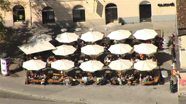 HD: Restaurant-Terrasse