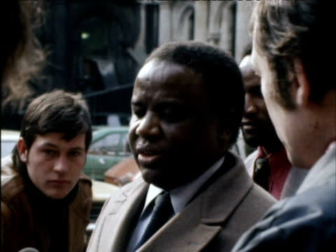 Rhodesian Nationalist leader Ndabaningi Sithole speaks to press about 'majority rule' in Rhodesia 1970s