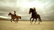 (rallentatore) cavalcare cavalli in Dessert 07