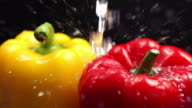 Rinsing Bell Pepper : HD Slow motion