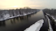 HD HELI: River im Winter