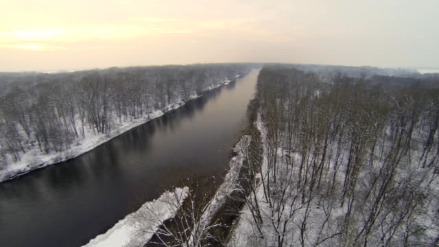 HD HELI: River In Wintry Sunset