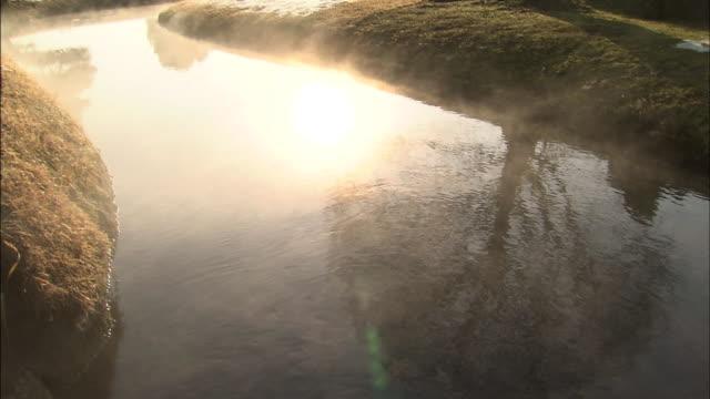 River mist  Medium Shot  Pan Right K_raku-en garden