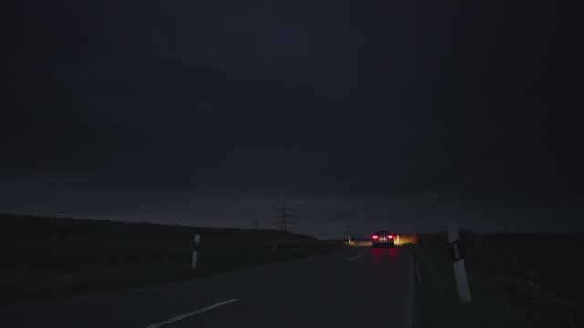 KRANICH BIS: Road bei Nacht