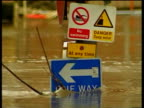 Road sign submerged in floodwater River Ouse 05 Jun 00