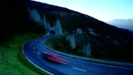 Der Straßenverkehr und Erodiert glacial Felsformationen