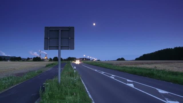 CRANE DOWN: Road