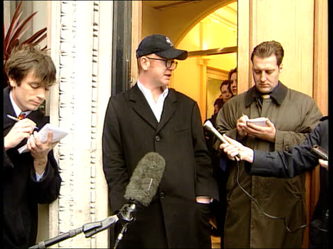 Robbie Williams/Geri Halliwell romance LIB DJ Chris Evans speaking to press