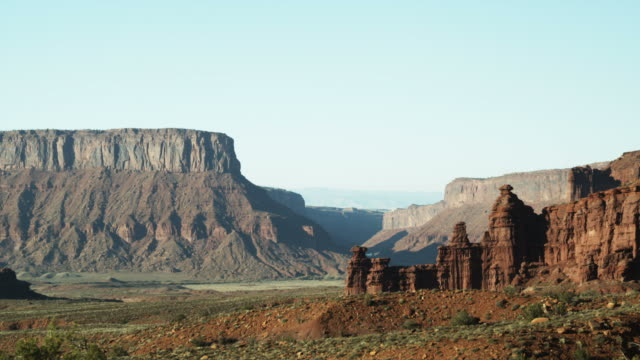WS PAN Rock formations in desert/ Moab, Utah, USA