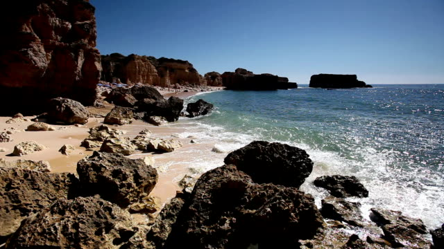 WS Rocky coast near Albufeira / Algarve, Portugal