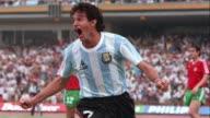 Roman Burruchaga de 15 anos cuyo padre Jorge fue parte de la seleccion argentina que gano el mundial de futbol Mexico 1986 busca emular los logros de...