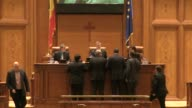 Romanian lawmakers on Tuesday scrapped a controversial amnesty bill aimed at freeing corrupt politicians from prison just two days after a...