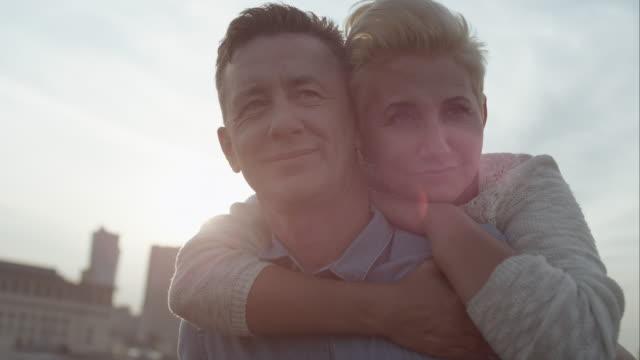 Romantische middenleeftijd paar