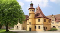 Rothenburg ob der Tauber, Spital coutyard, view of the Hegereiterhaus, 16th century by the architect Leonhard Weidmann