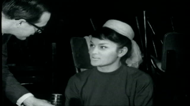 Paris Collection Reporter interviews the Bluebell Girls SOT