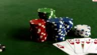 HD DOLLY: Royal Flush Karten auf einen Pokertisch
