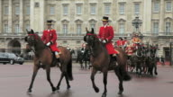 MS TS Royal procession at Buckingham Palace AUDIO / London, United Kingdom