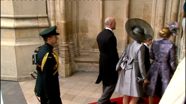 Royal wedding of Prince William and Kate Middleton ITV News Special Ceremonial Feed 1000 1100 EXT Side Shot of other royals arriving including Zara...