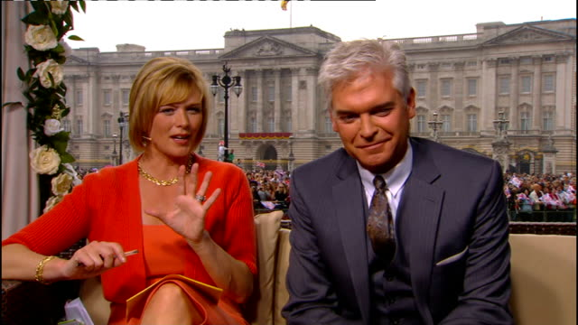 Royal wedding of Prince William and Kate Middleton ITV News Special PAB 1330 1430 STUDIO Julie Etchingham and Philip Schofield