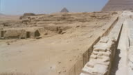 HA WS PAN ruins/ WS Sphinx with Great Pyramid in background/ Giza, Egypt