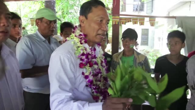 Ruling party figure Shwe Mann campaigns ahead of Myanmars landmark election Sunday