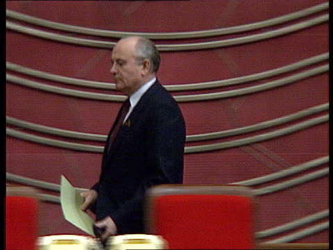 Rushes with sound CPSU Party Congress March 11 1990 election results Gorbachev is elected President of the Soviet Union Deputies stand and applaud CU...