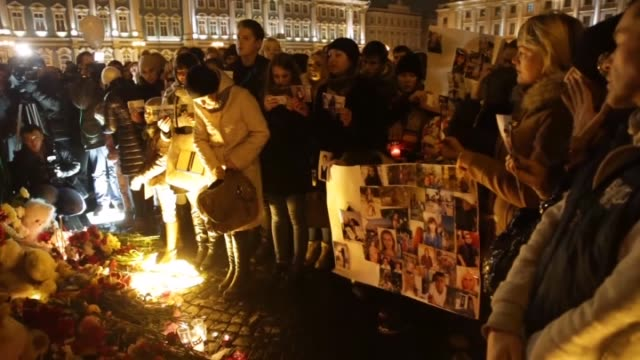 Russian people lay flowers toys and light candles to memory of Russian plane accident in Egypt on October 31 at Dvortsovaya square in SaintPetersburg...
