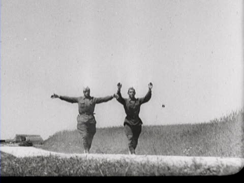 Russian soldiers surrender themselves and are interrogated by German army officers