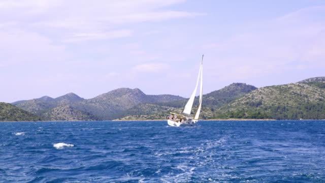 WS-Segelboot auf dem Meer