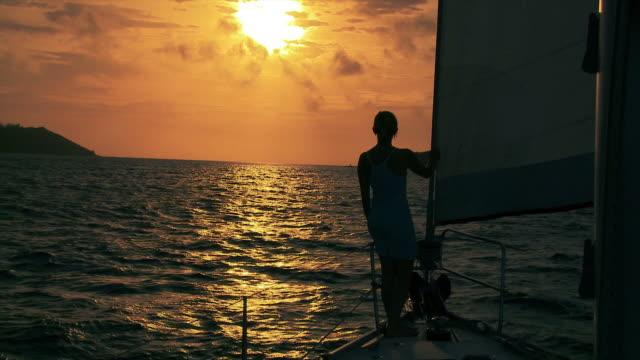 HD: Sailing At Sunset