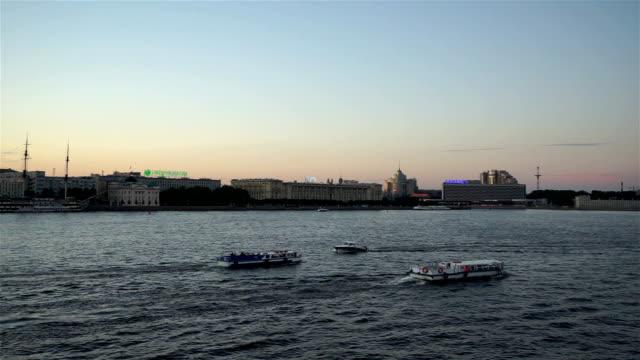 San Pietroburgo fiume Neva con la