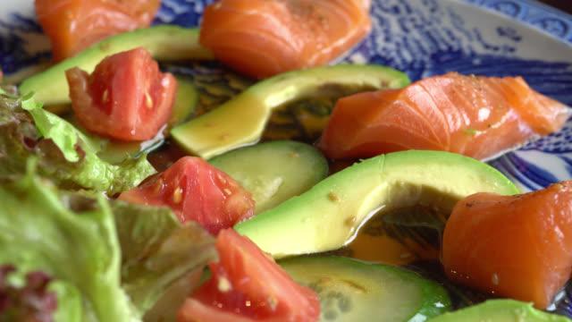 Salade zalm avocado