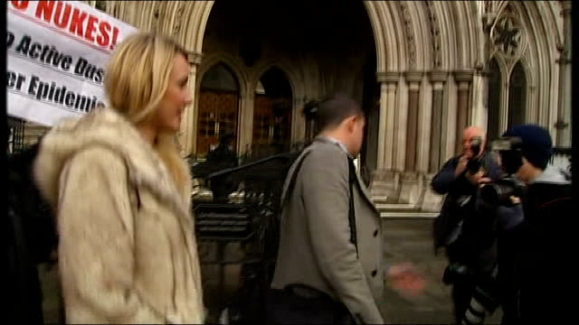 Sally Roberts loses bid to prevent son Neon having radiotherapy for brain tumour ENGLAND London Royal Courts of Justice EXT Sally Roberts arriving at...