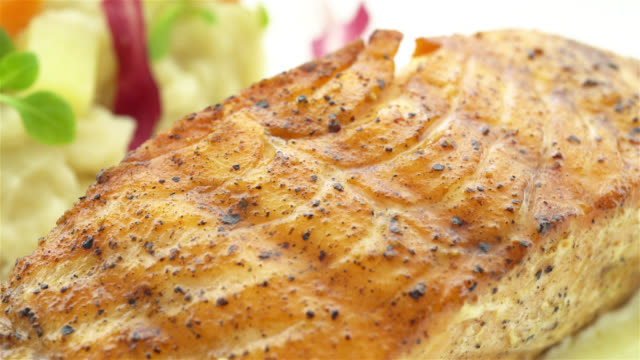 4K zalmfilet biefstuk in witte plaat