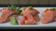 zalmsushi rolt - Japans eten