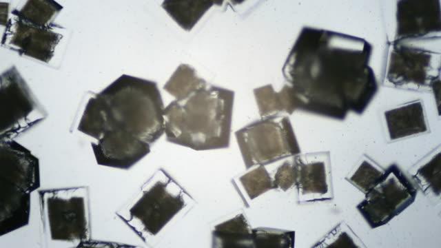 Salt crystallizing UHDV