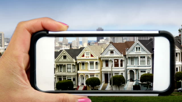 San Francisco's Painted dames via een mobiele telefoon